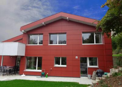 Bild Fassadenbau rotes Eternit